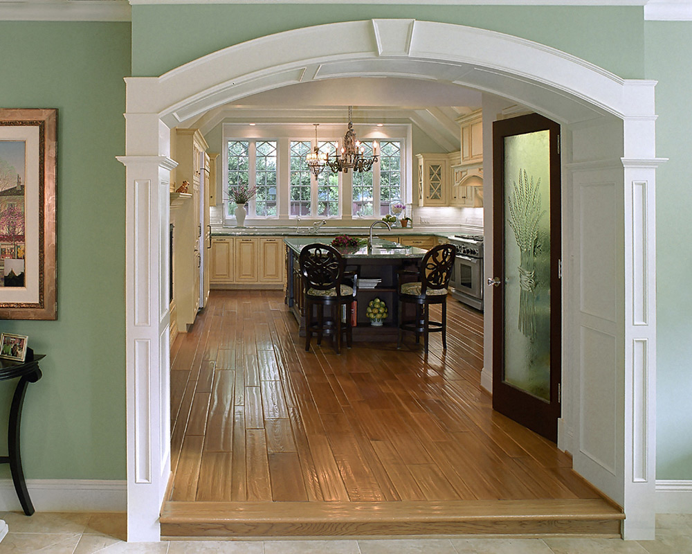 Ярко-белая арка в кухню