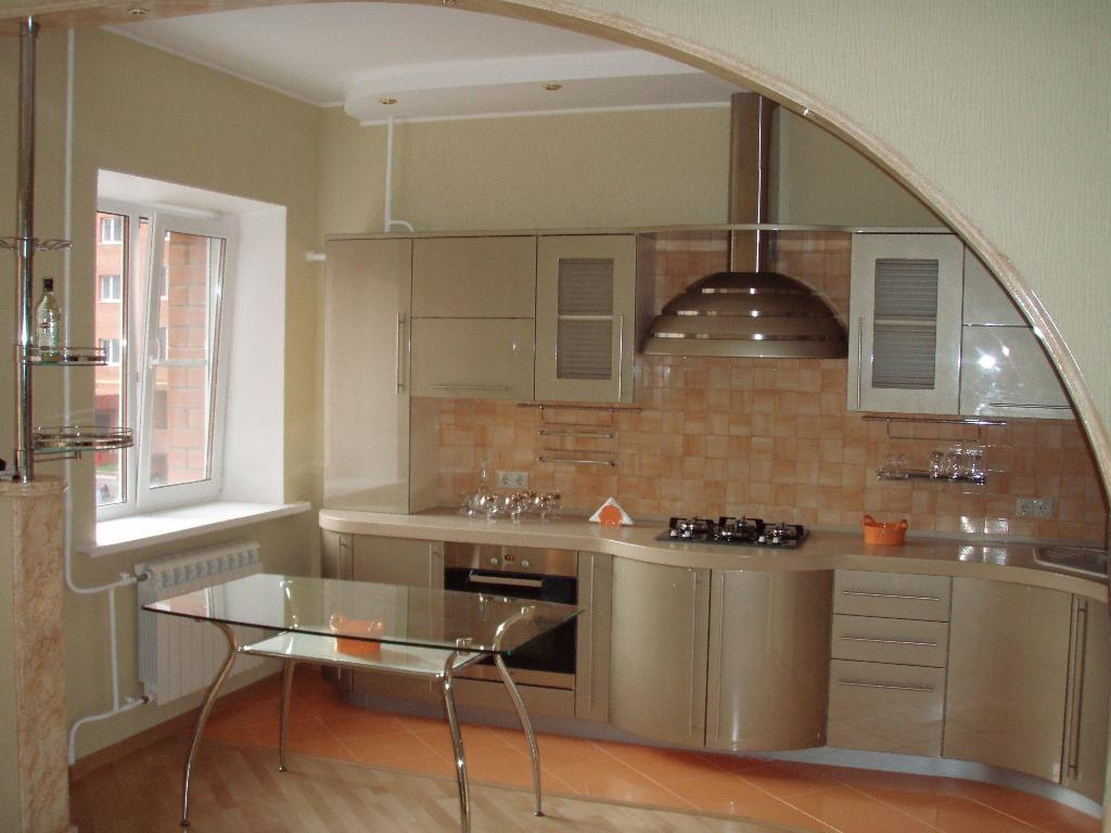 Интересная арка в небольшую кухню