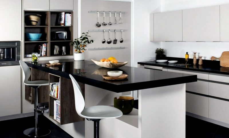 Барный стол на кухне для всей семьи