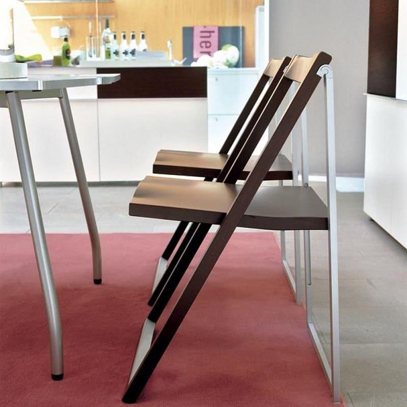 Складные стулья для кухни-гостиной