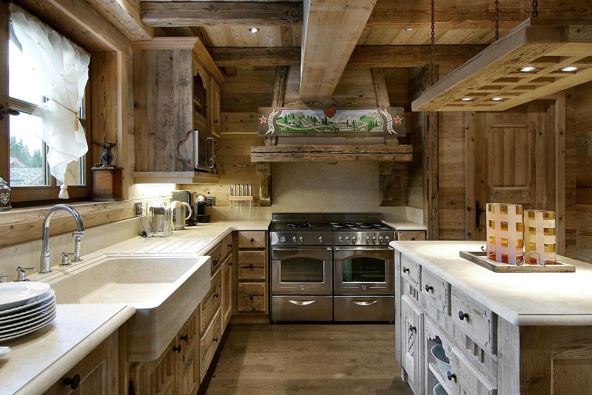 Стиль шале подходит для кухни в загородном доме