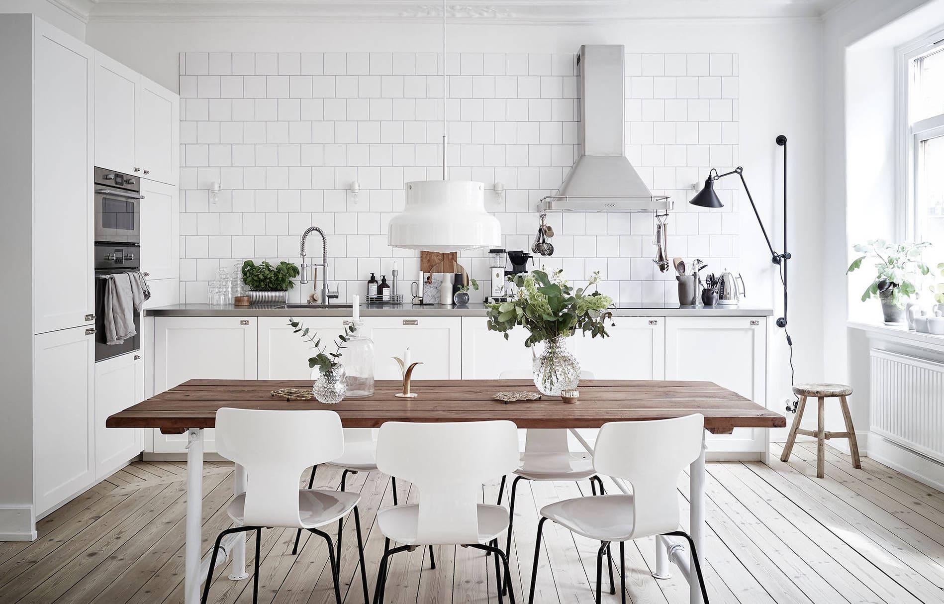 Светлая скандинавская кухня