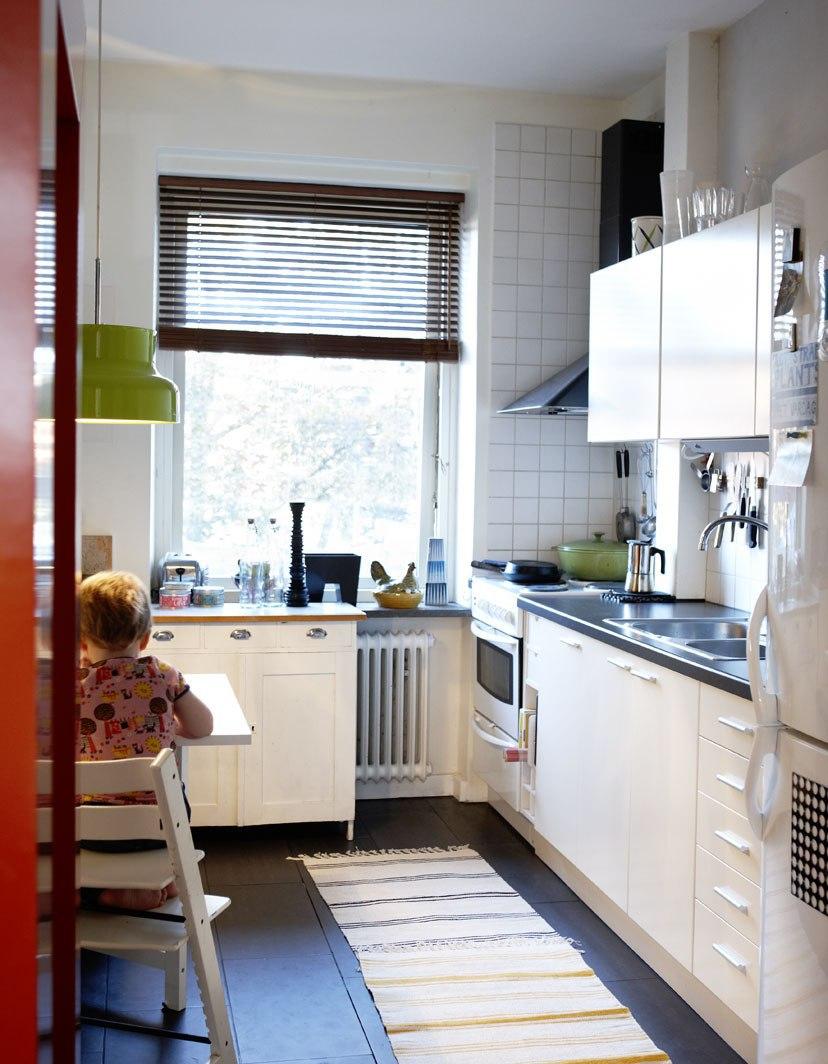 г-образная узкая кухня
