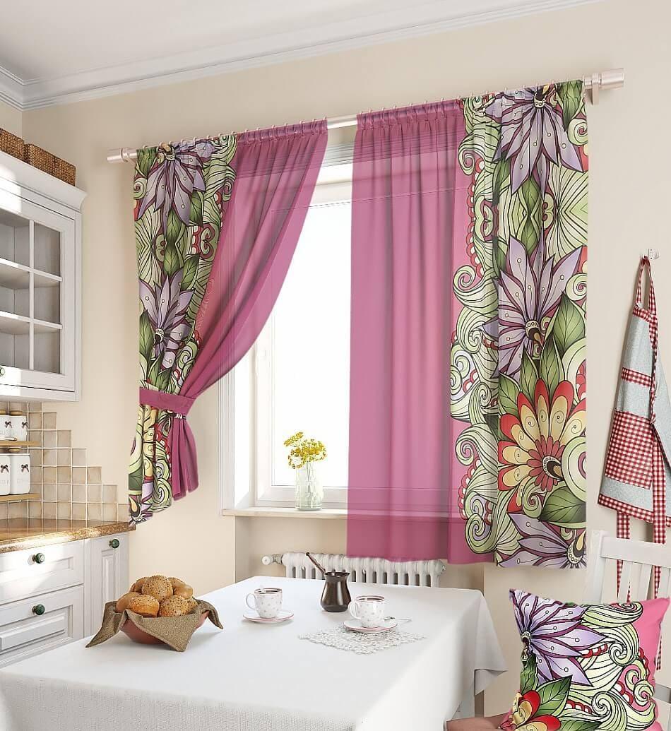 Цветы на гардинах для кухни