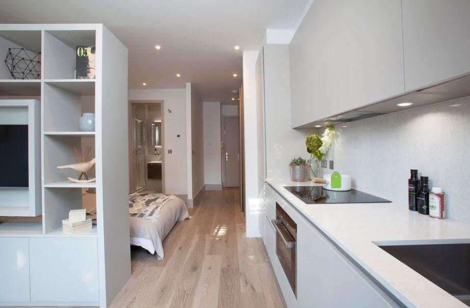 перегородка с полками для кухни-спальни