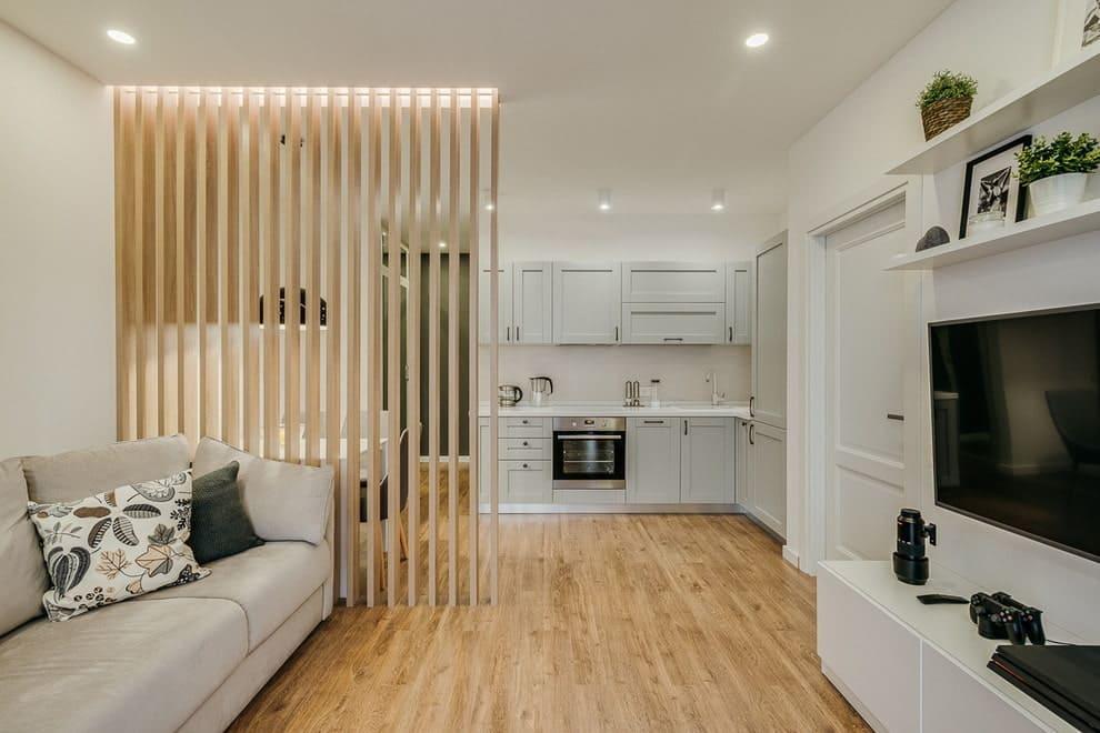 деревянная перегородка в кухне спальне
