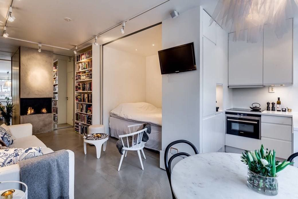 кровать в нише на кухне-спальне