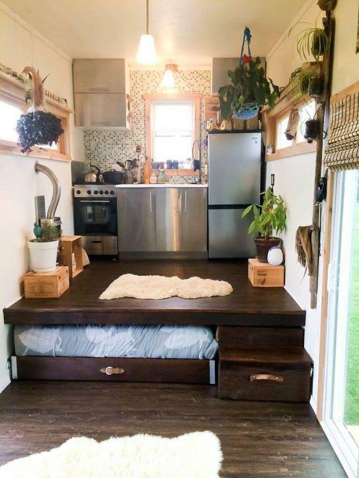 выдвижная кровать в кухне-спальне