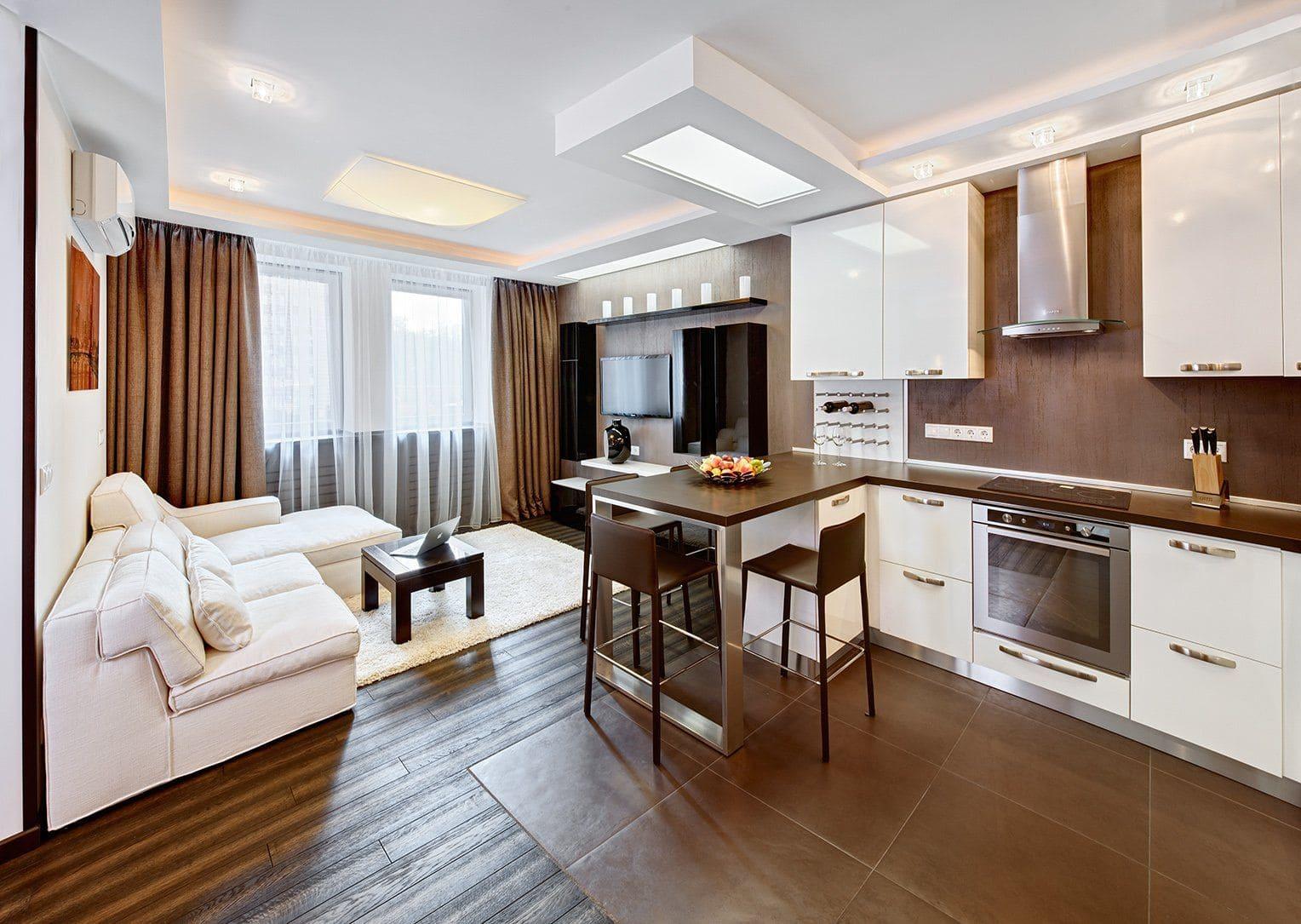 диван-кровать в кухне-спальне