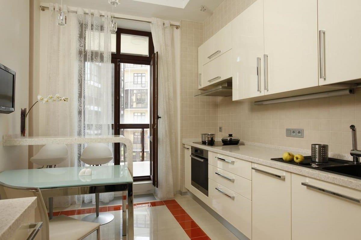 белая глянцевая кухня 12 метров