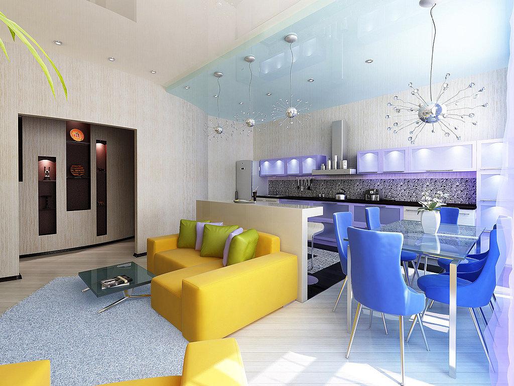 яркий диван в кухне-гостиной 25 метров