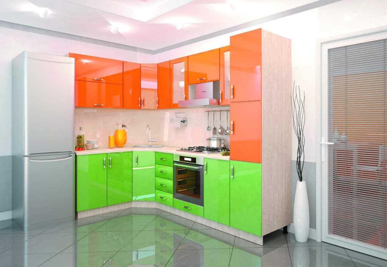 яркая оранжево-зеленая кухня