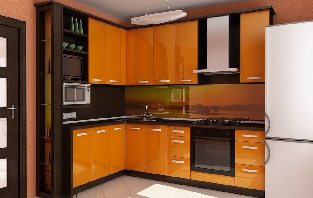 кухня оранжевая с коричневым