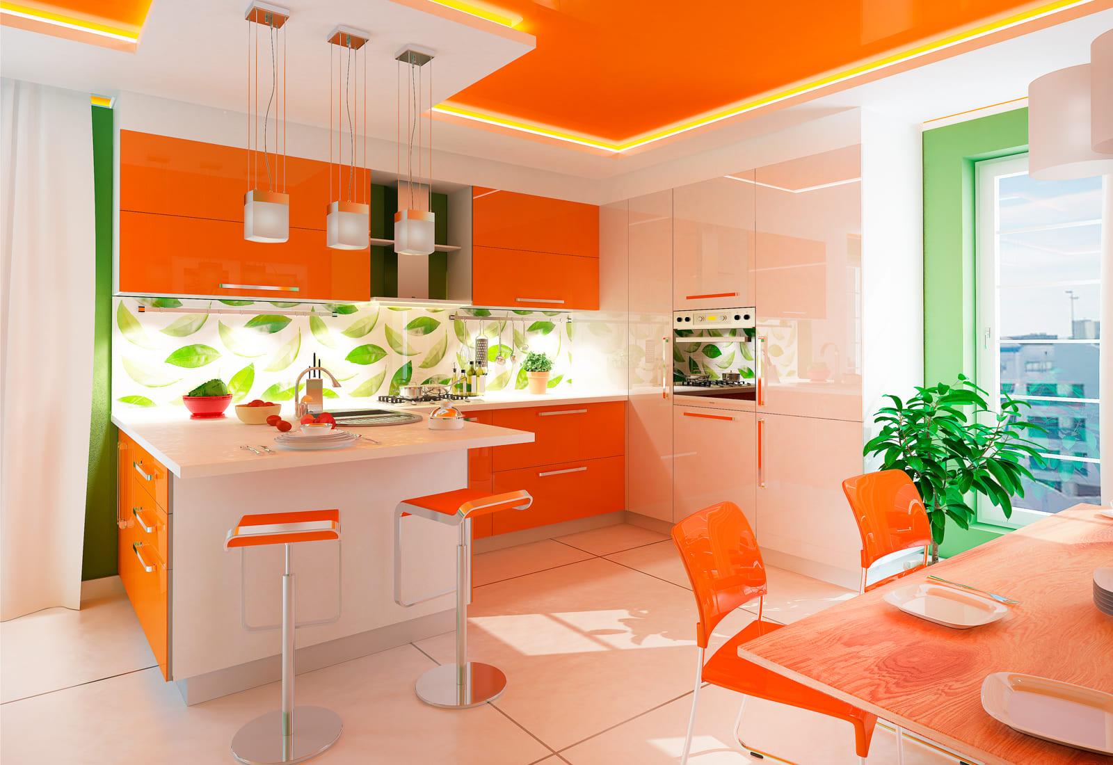 глянцевый потолок в интерьере оранжевой кухни