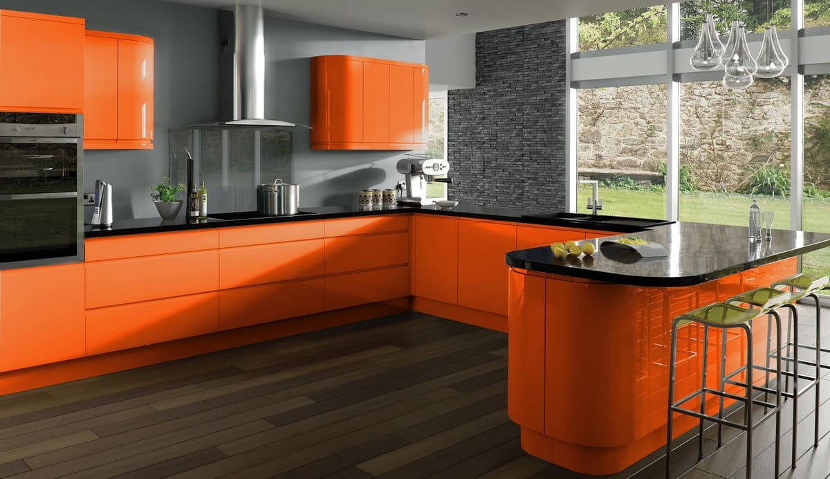 темно-оранжевый интерьер кухни