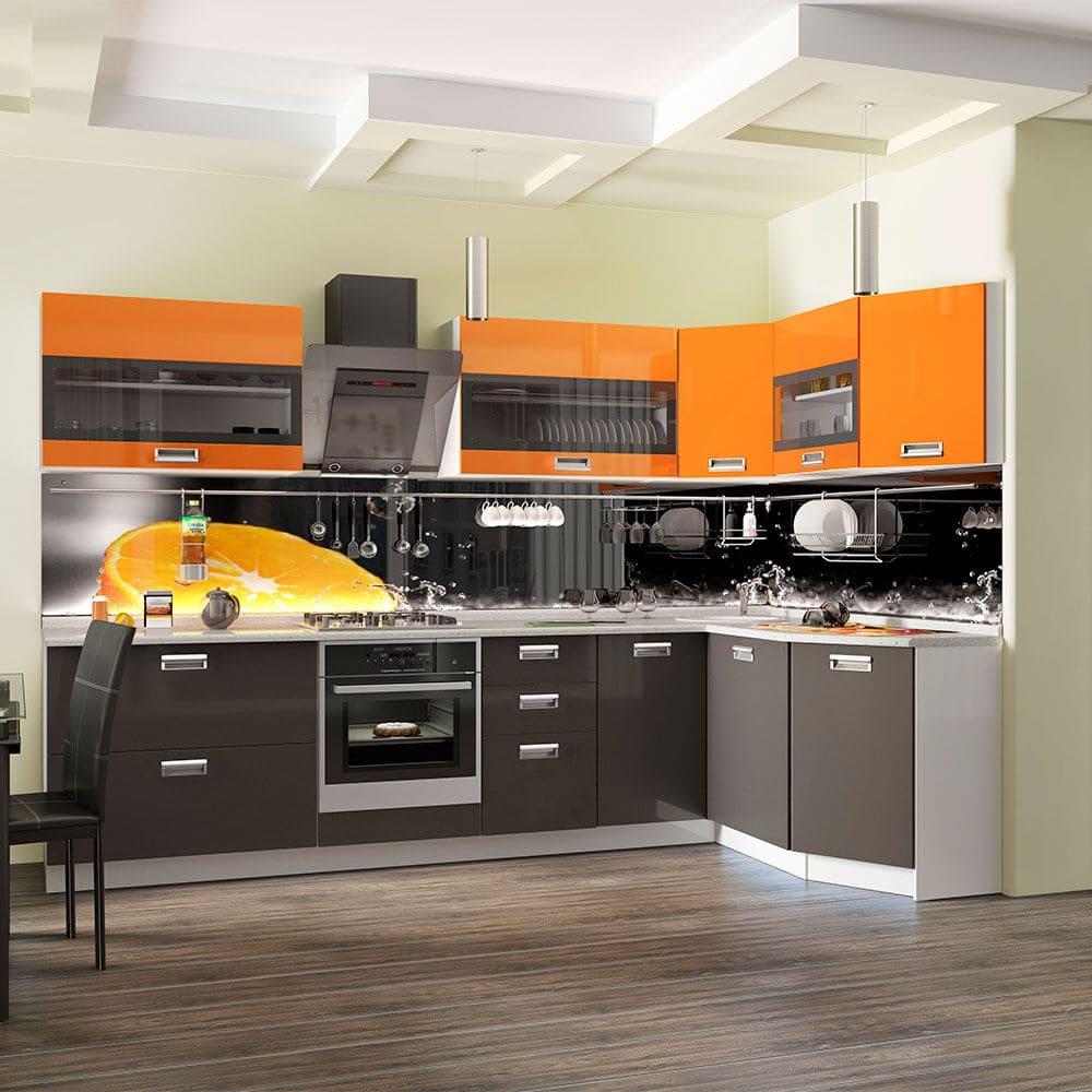 серо оранжевая кухня выглядит спокойно