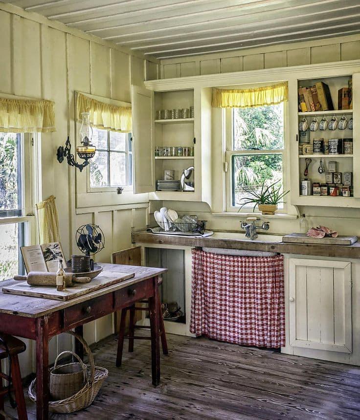 кухня на деревянной даче в стиле прованс