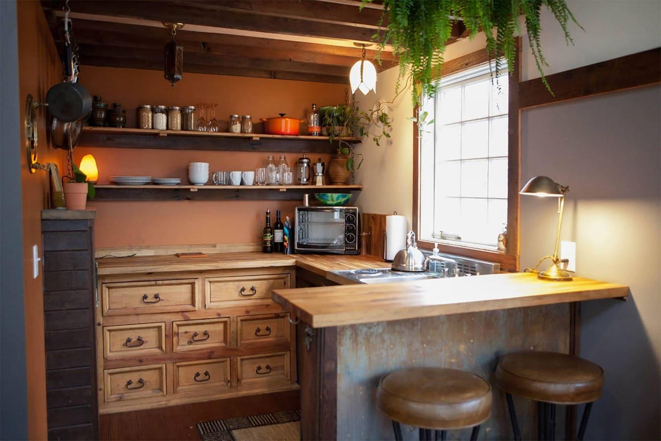 барная стойка в дизайне дачной кухни