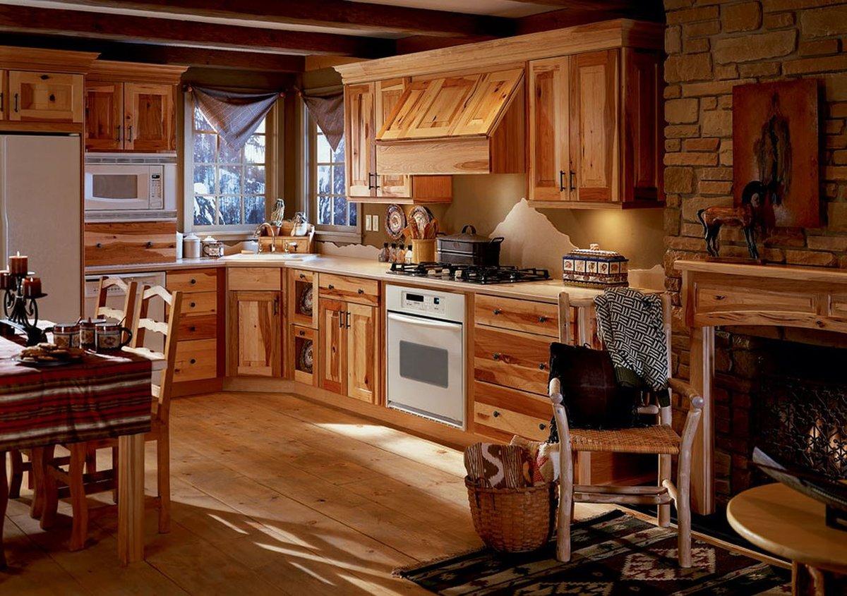 деревенское кантри для кухни в деревянном доме