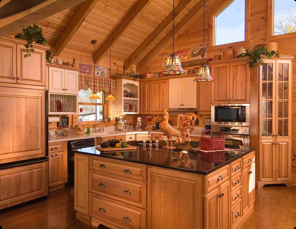 кухня из массива в деревянном доме