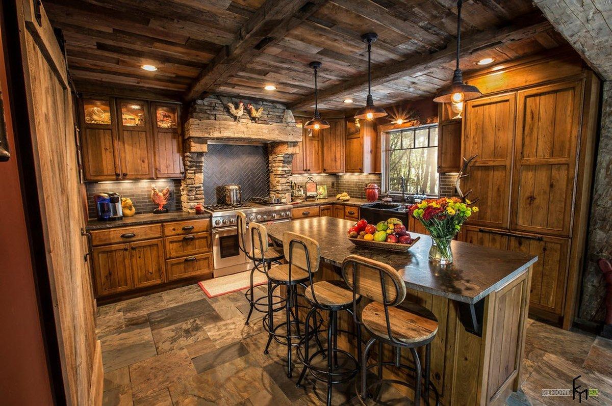 кухня в деревянном доме в стиле рустик