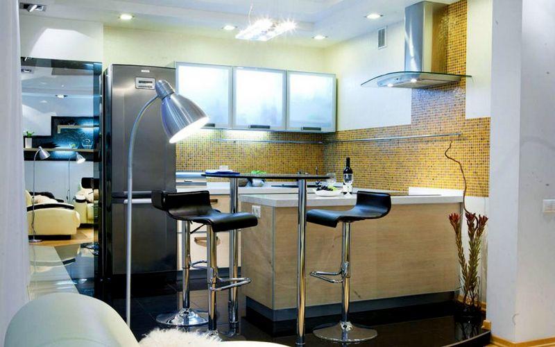 компактная барная стойка на кухне-студии