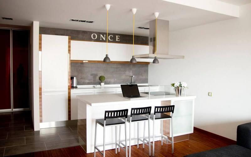 кухня-студия с островом