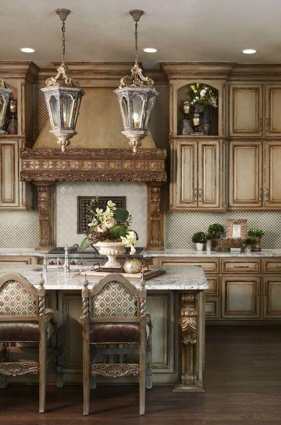Дерево и плитка на кухне в стиле прованс
