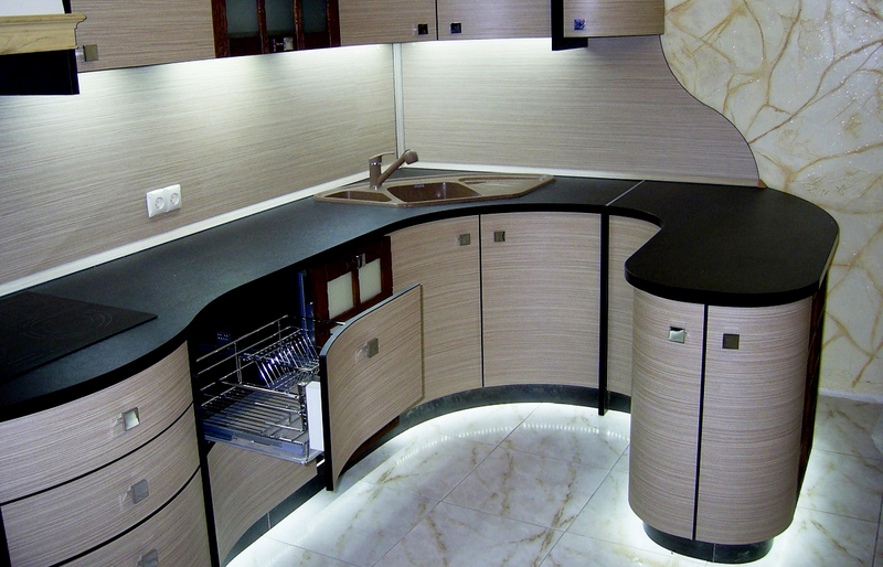 радиусная тумба на кухню