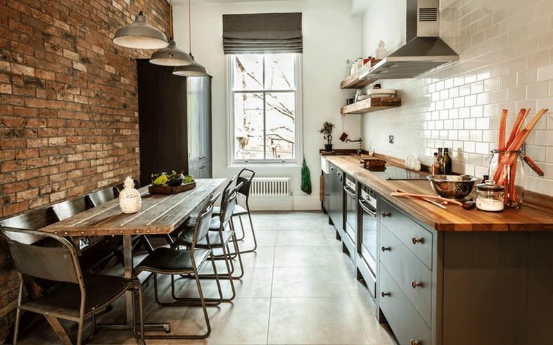 кухня в стиле лофт с фартуком