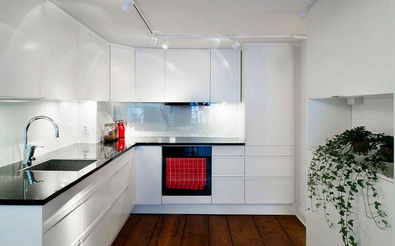 кухня в стиле минимализм с белым фартуком