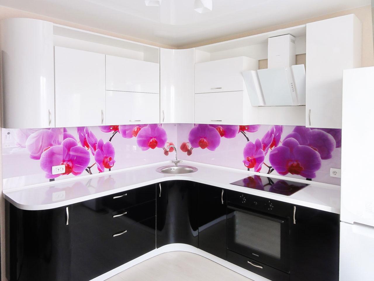 фартук для кухни с яркими цветами
