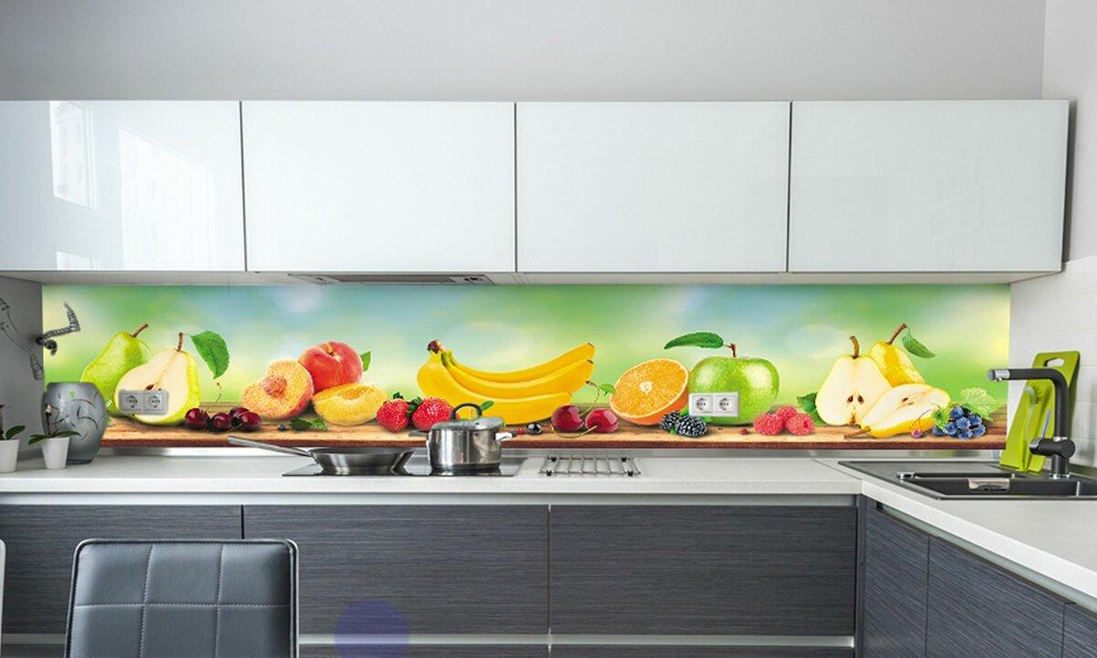 фруктовая тематика на фартуке для кухни