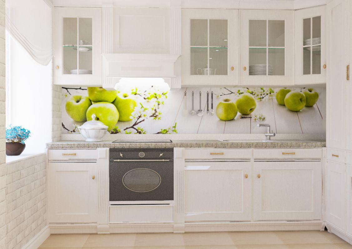 яркие фрукты на фартуке для кухни