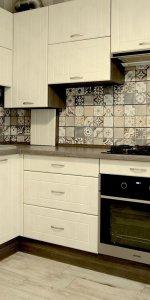 угловая кухня мария для небольшого помещения