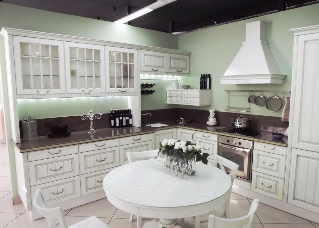 кухня мария для квадратного помещения