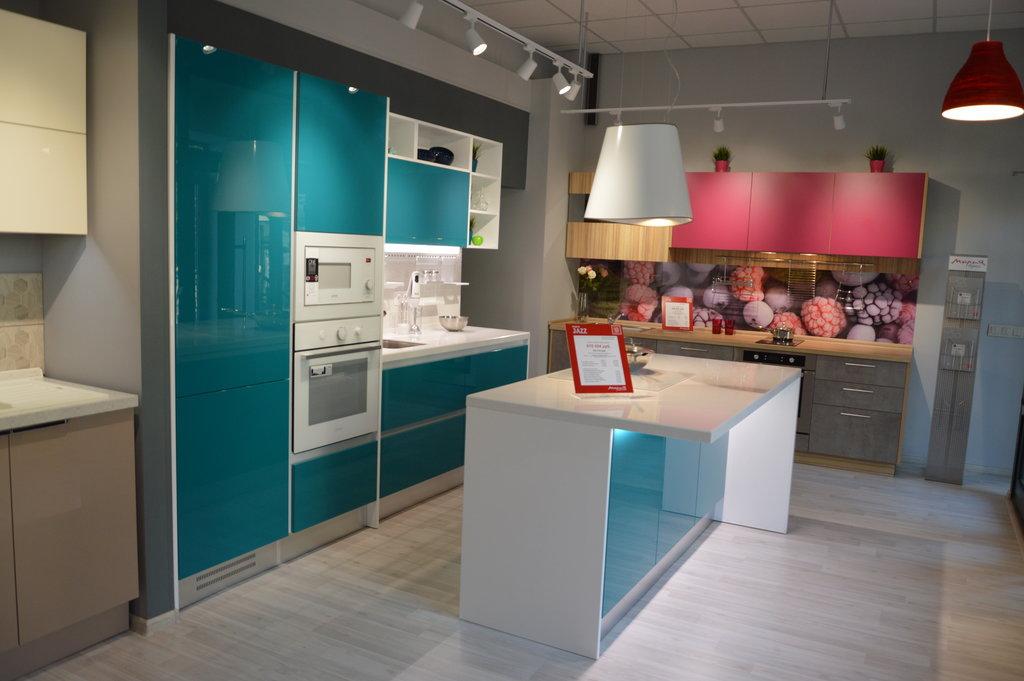 двухцветная кухня мария
