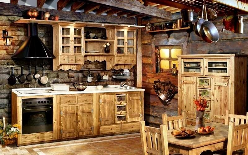 красивая кухня из дерева под старину