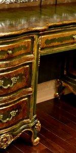 деревянная мебель с патиной