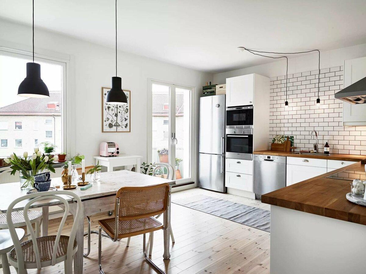 встроенная печь на кухне без верхних шкафов
