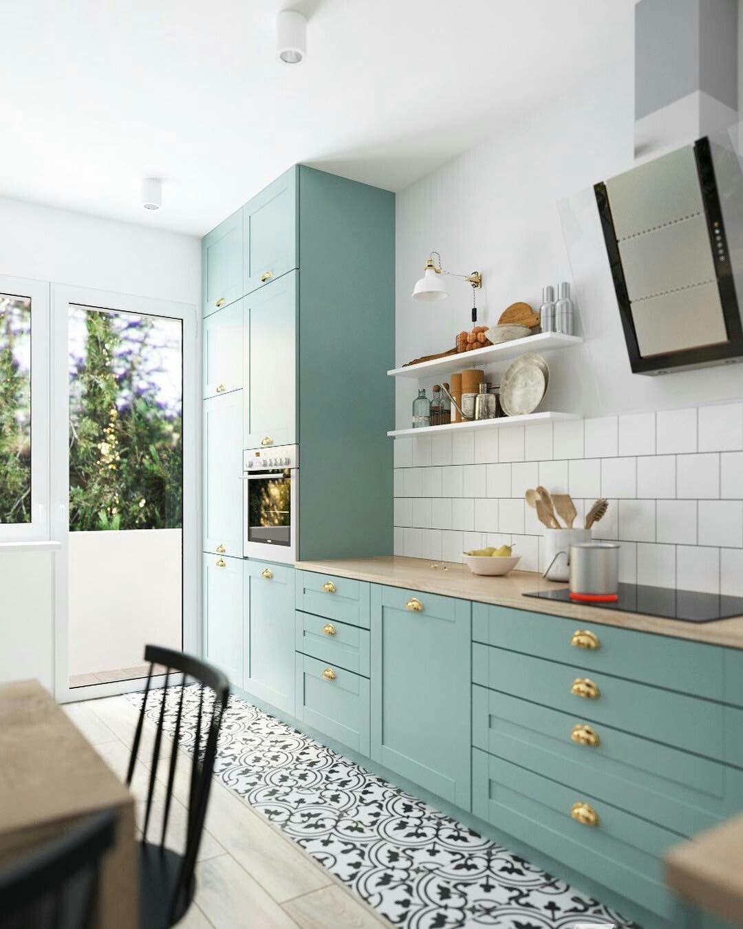 красивая кухня без верхних шкафов