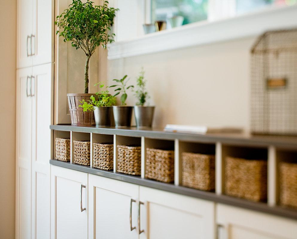 стеллаж с корзинками для кухни