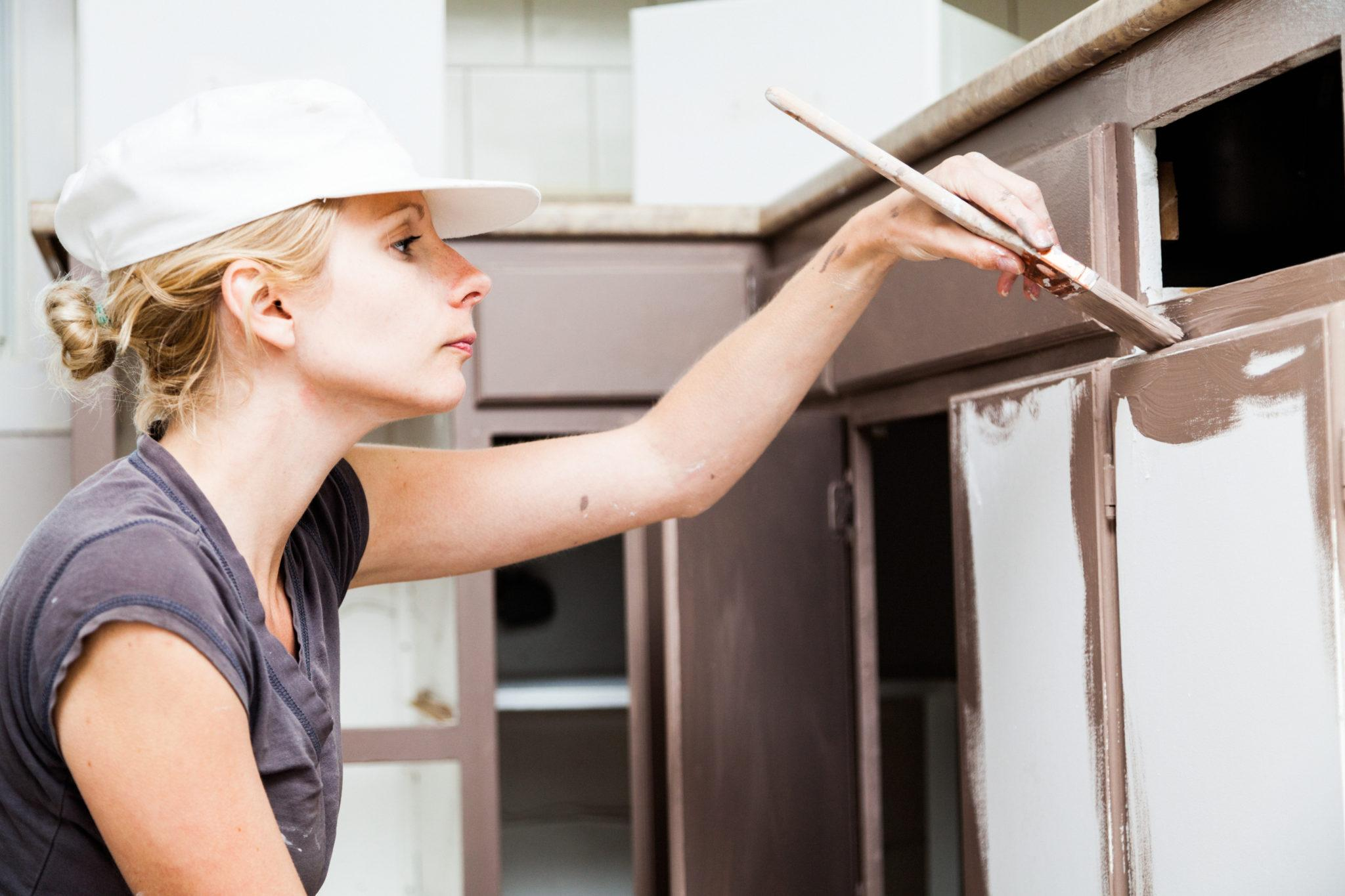 реставрация кухонных фасадов покраской