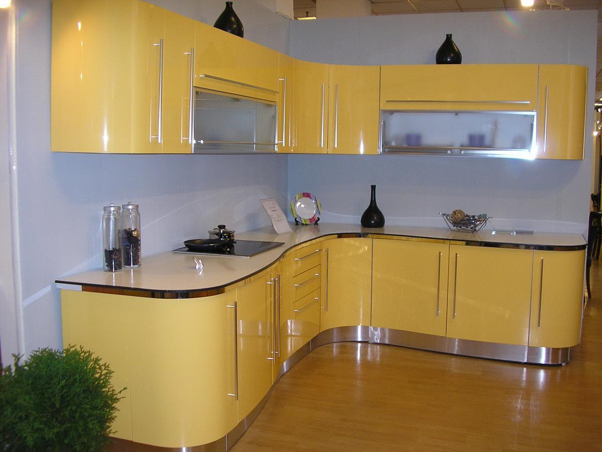 желтая кухня радиусные фасады