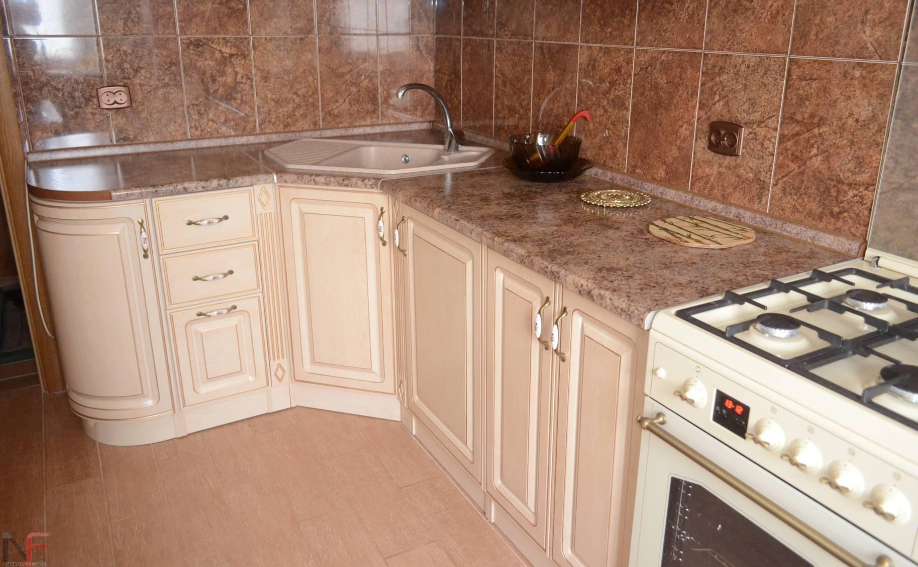 пластиковая столешница для кухни под цвет плитки