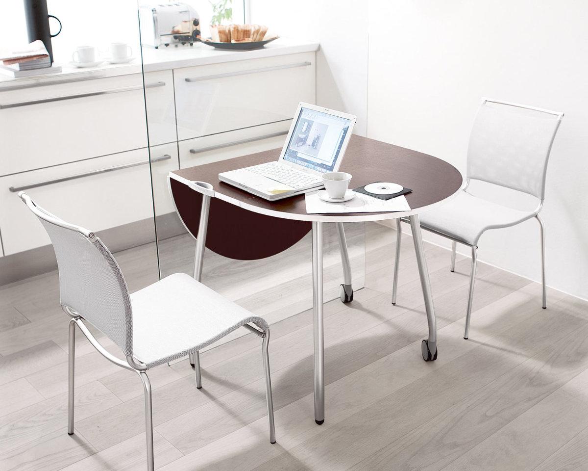 маленький раскладной стол