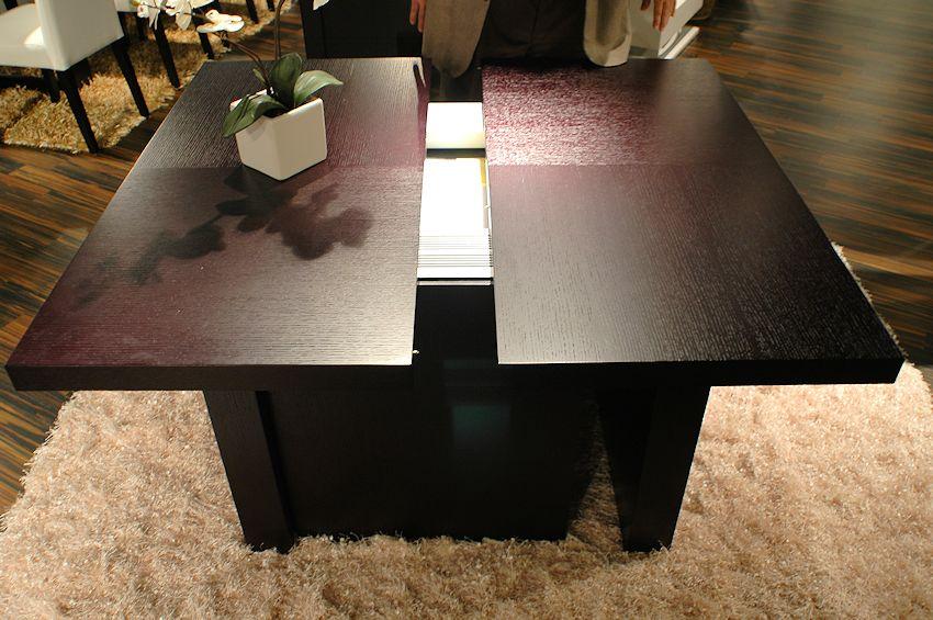 раздвижной стол на кухню в форме квадрата