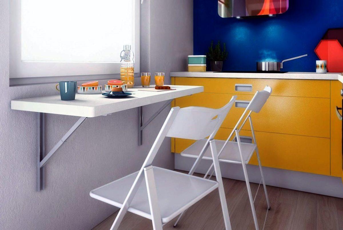 небольшой стол-подоконник без ножек