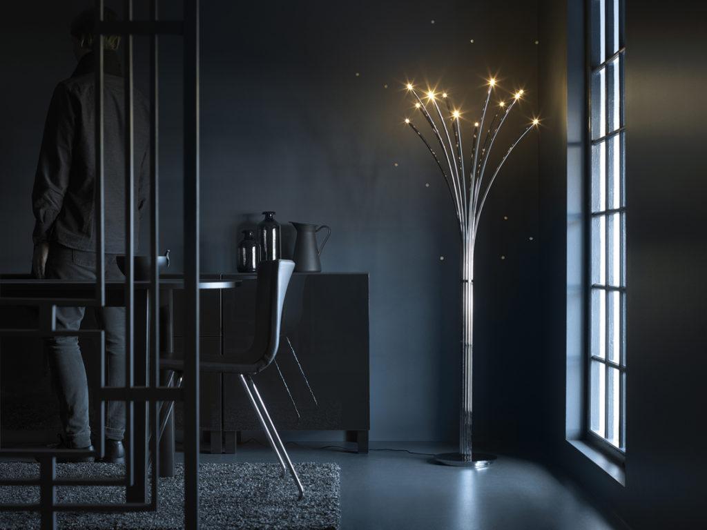 красивая лампа над кухонным столом