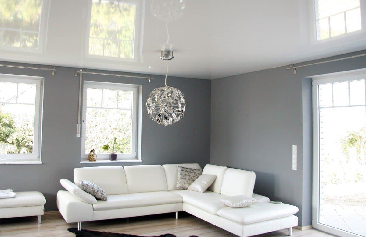 ярко-белый натяжной потолок